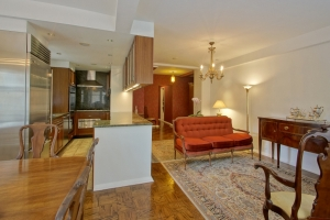 Lovely Two Bedroom Residence On Rittenhouse Square - 220  W. Rittenhouse Square 2E