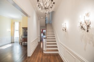 Beautiful Townhouse with 2 Car GARAGE and Elevator