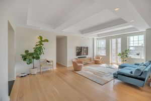 Stunning Renovated Condo!
